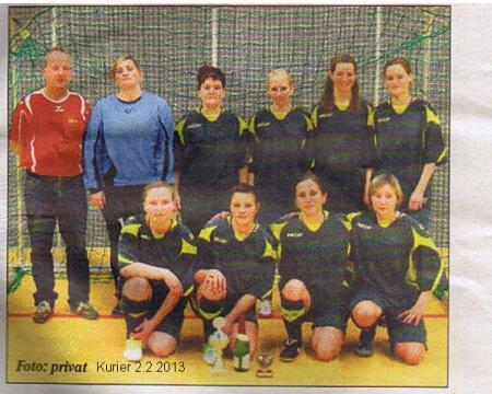 Kurier 2013.02.02 Fussball Lok Frauen straten beim ERGO-Cup 2013 Bild