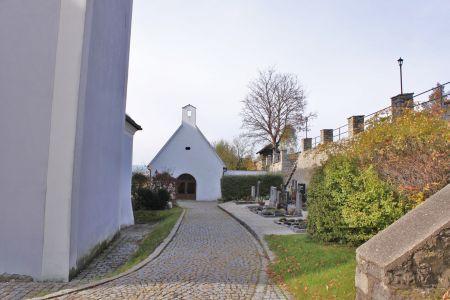 Leichenhaus und Friedhof