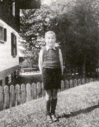 Niklas Luhmann im Alter von 9 Jahren