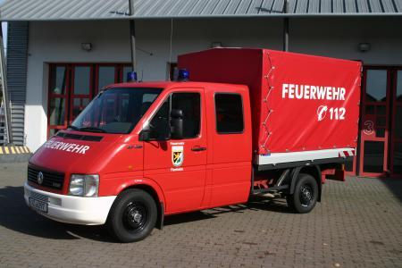 MTF-L = Mannschaftstransportfahrzeug mit Ladefläche. Dient dazu Personal und Material an die Einsatzstelle zu bringen.JPG