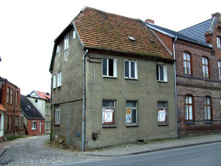 Das nach dem großen Stadtbrand von 1676 errichtete alte Torschreiberhaus wurde im April 2008 auf Grund seiner Baufälligkeit abgerissen.