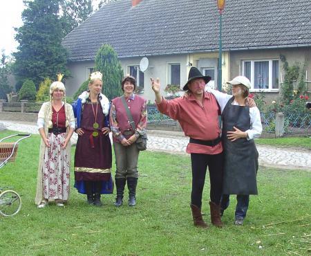Märchenaufführung zum Dorffest in Warsow