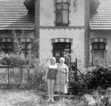 Gudrun Oehlkers und Frau Liebenow (1967)