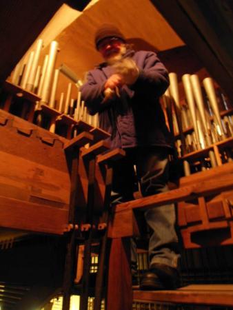 Ausbau der Orgelpfeifen