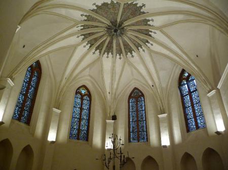 Ornamentmalereien im Kreuzgewölbe