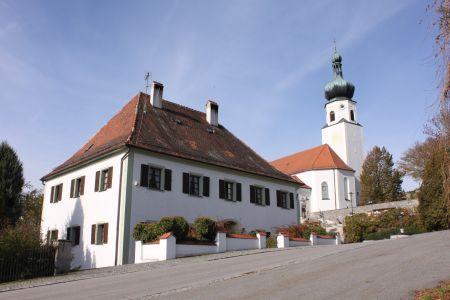 Pfarrhof und Kirche