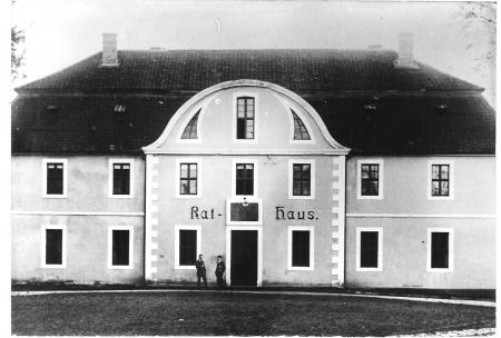 Rathaus Hötensleben 1925.jpg