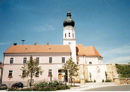 Rathaus mit Kirche
