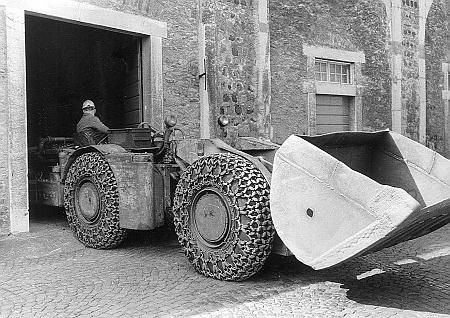 Ankunft des Schaufelladers aus der Grube Fortuna, Oberbiel