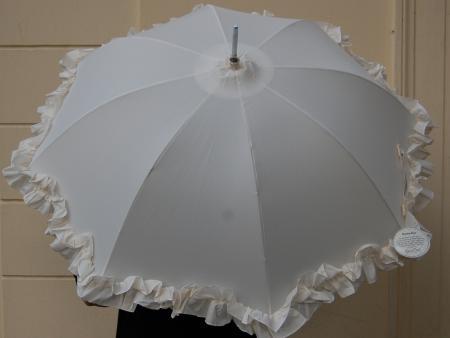 SchirmweißRüschen