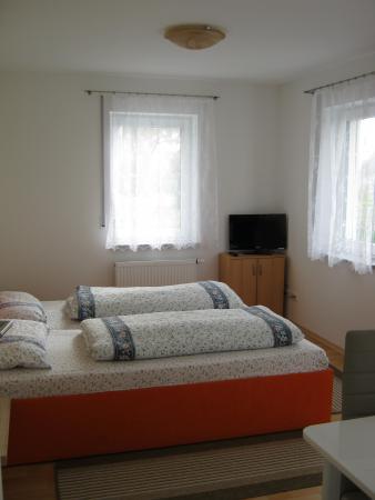 Schlafzimmer-2-16.JPG