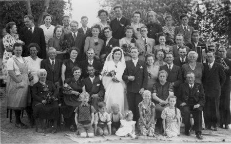 Hochzeit Waltraud Pernau und Hans-Georg Hühnerfuß in Schlakendorf am 4.6.1954