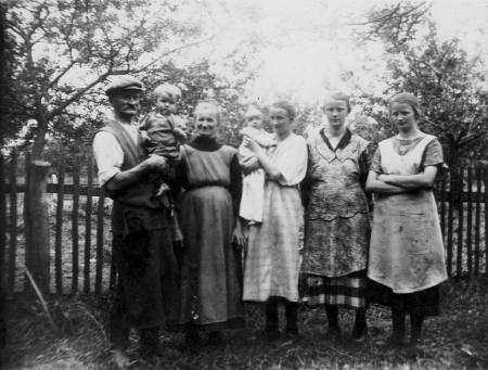 Um 1920 in Peterwitz / Kreis Frankenstein / Schlesien