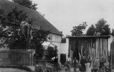 Die Stellmacherei von Eduard Materne (Vater von Amalie Talke) in Peterwitz, Kreis Frankenstein