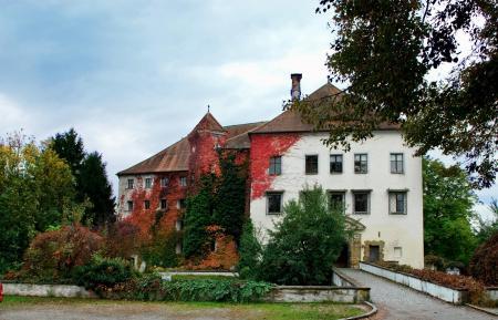 Schloß Ortenburg E.JPG