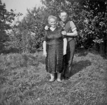 Ida Schmidt und ihr Sohn Hans Schmidt