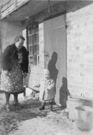 Hertha Schulze, geb. Schmidt mit Tochter Inge Schulze