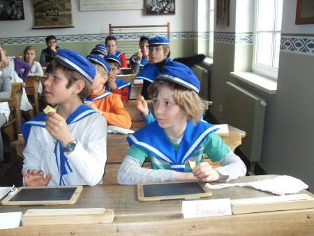 Klasse 3 im Schulmuseum Riesa