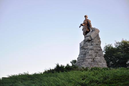 Sowjetisches Ehrenmal am Höhenrand in Seelow