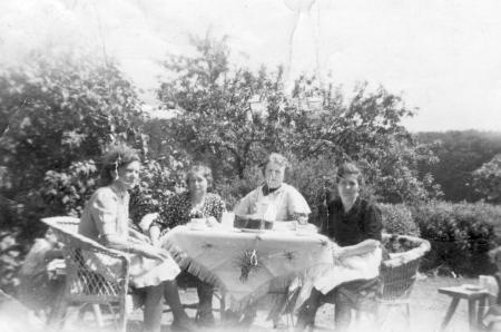 Von links: Elsbeth Schmidt, Resel Schröder, Maria Kneier und Martha Kustus
