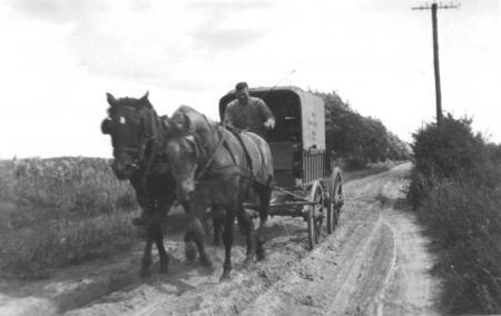 Mit dem Brotwagen unterwegs (1)