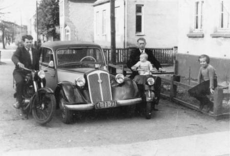Straße der Freundschaft 49, links Manfred Rahmel