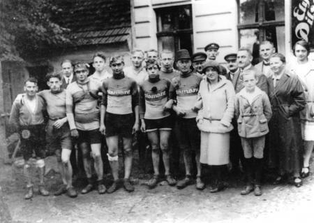 Max Kohnke vor dem I. Weltkrieg als Rennfahrer in Stettin