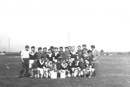 Rückspiel der Lübecker Fußballmannschaft Pfingsten 1957 in Neukalen