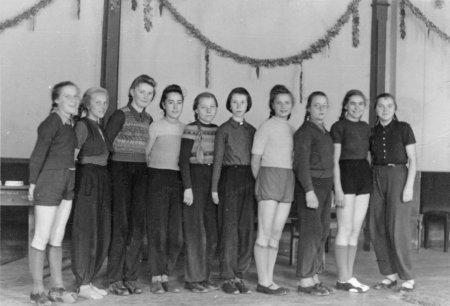 Mädchensportgruppe Anfang der 50ger Jahre