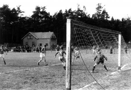 Fußballspiel (2)