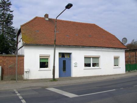 In diesem Haus ist Otto Timm aufgewachsen (Neukalen, Straße der Freundschaft 4)