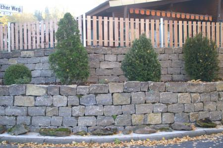 Stützmauern Michelau 01.JPG