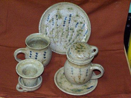 Teetasse mit Untertasse und Frühstücksteller