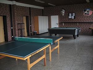 Tischtennis-, Billardraum