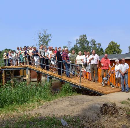 Einweihung der kleinen Brücke am Birkenweg am 4. Juli 2009