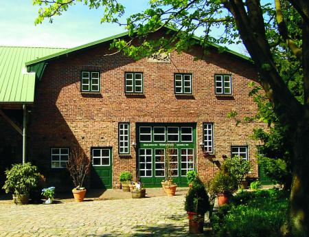 Toeverhuus Gebäude