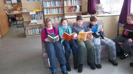 Unsere Schulbücherei.JPG