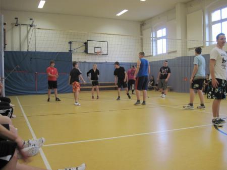Volleyballspielklein.jpg