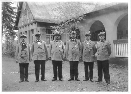 Vorstand ca. 1933.JPG