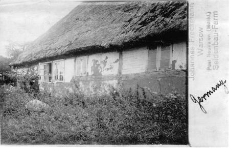 In Warsow gab es bereits um 1926 eine Seidenbau-Farm, die Johannes Freckmann gehörte.