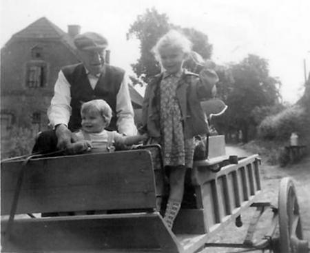 Hermann Schwarz, ca. 1960 mit Heidi und Horst Burmeister