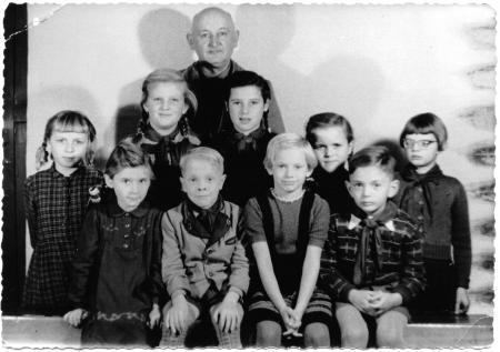 Schulklasse mit Lehrer Friedrich Prestin, um 1960