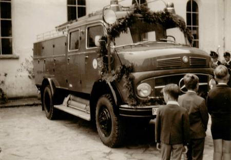 Weihe Tanklöschfahrzeug 1.August 1965 B klein