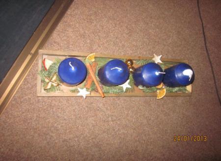 Weihnachtsgestecke, die die Schüler selbst anfertigten 2.jpg