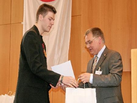 Wettbewerb (2)