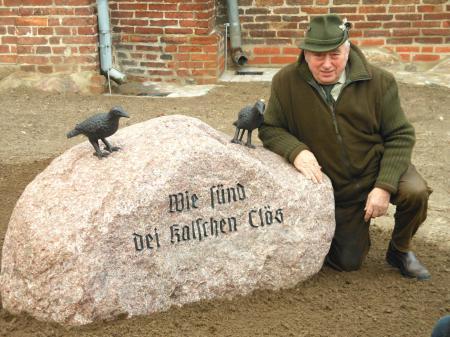 Am 20.1.2012 wurde der von Horst Leverenz gestiftete Stein aufgestellt