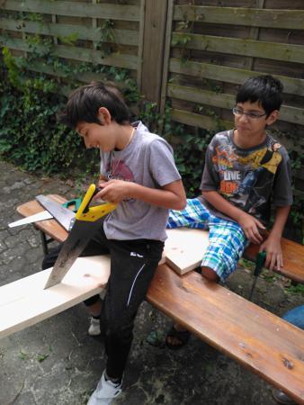 Wir bauen Mittelalterstühle