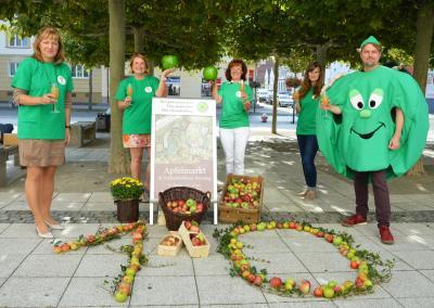 Stadt, Interessenring und Biosphärenreservat laden zum Apfelmarkt I Foto: Martin Ferch