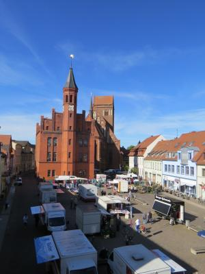 Foto: Stadt Perleberg | Markttag in Perleberg auf dem Großen Markt