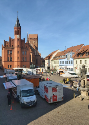 Stadt Perleberg | Blick von oben auf den Marktplatz zum Surn-Hansen-Markt 2020